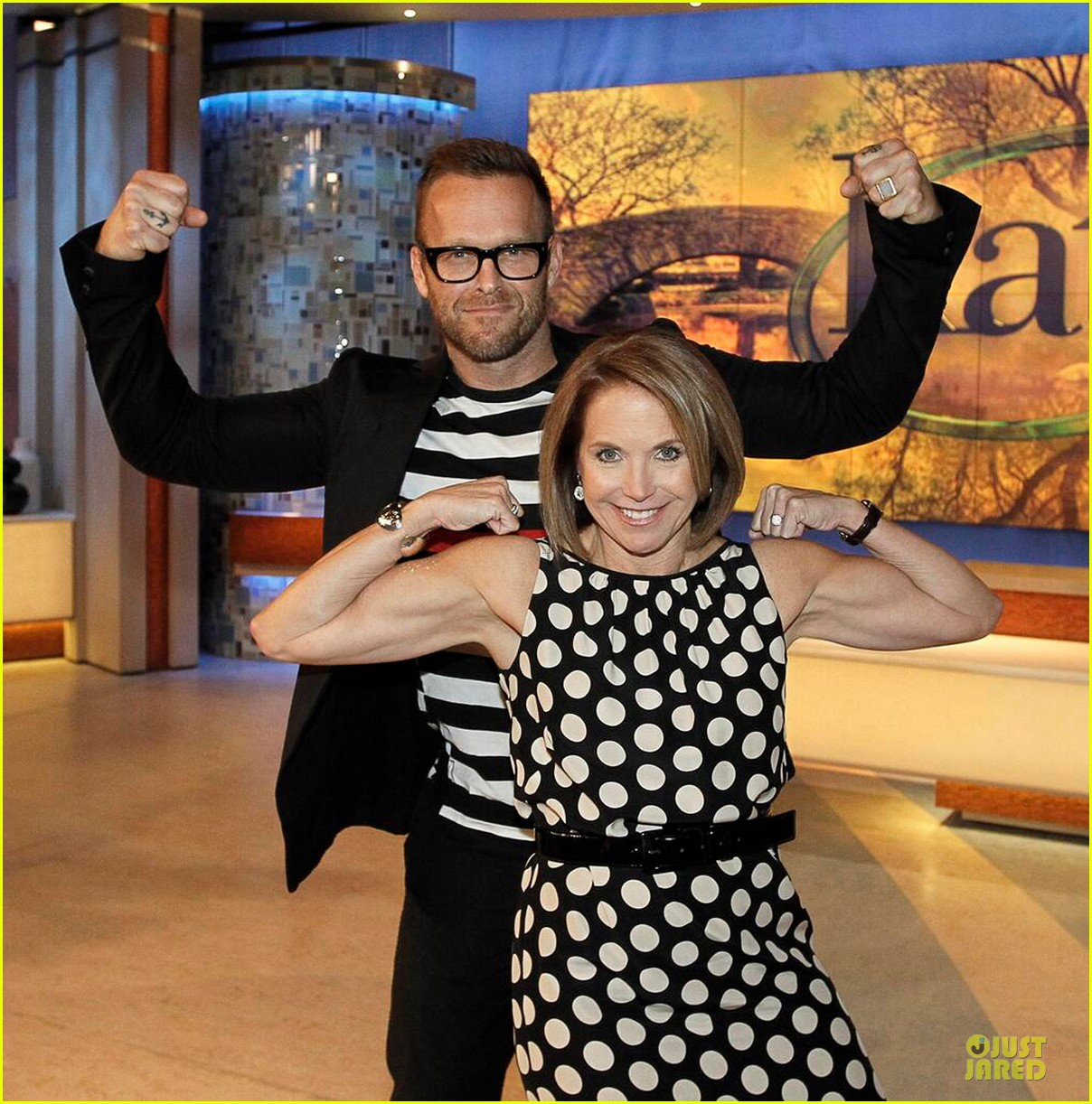 katie couric flexes her muscles 013093451