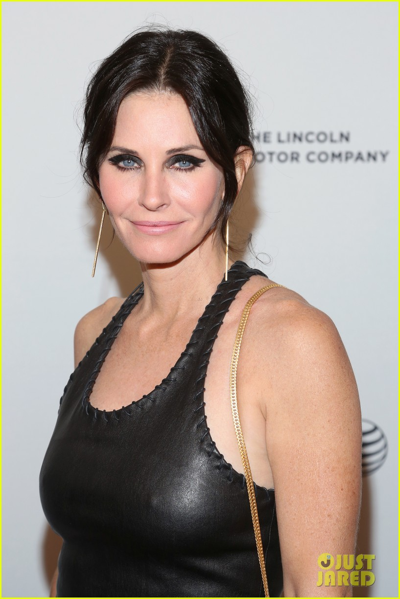 courteney cox celebrates just before i go directorial debut at tribeca 083099057
