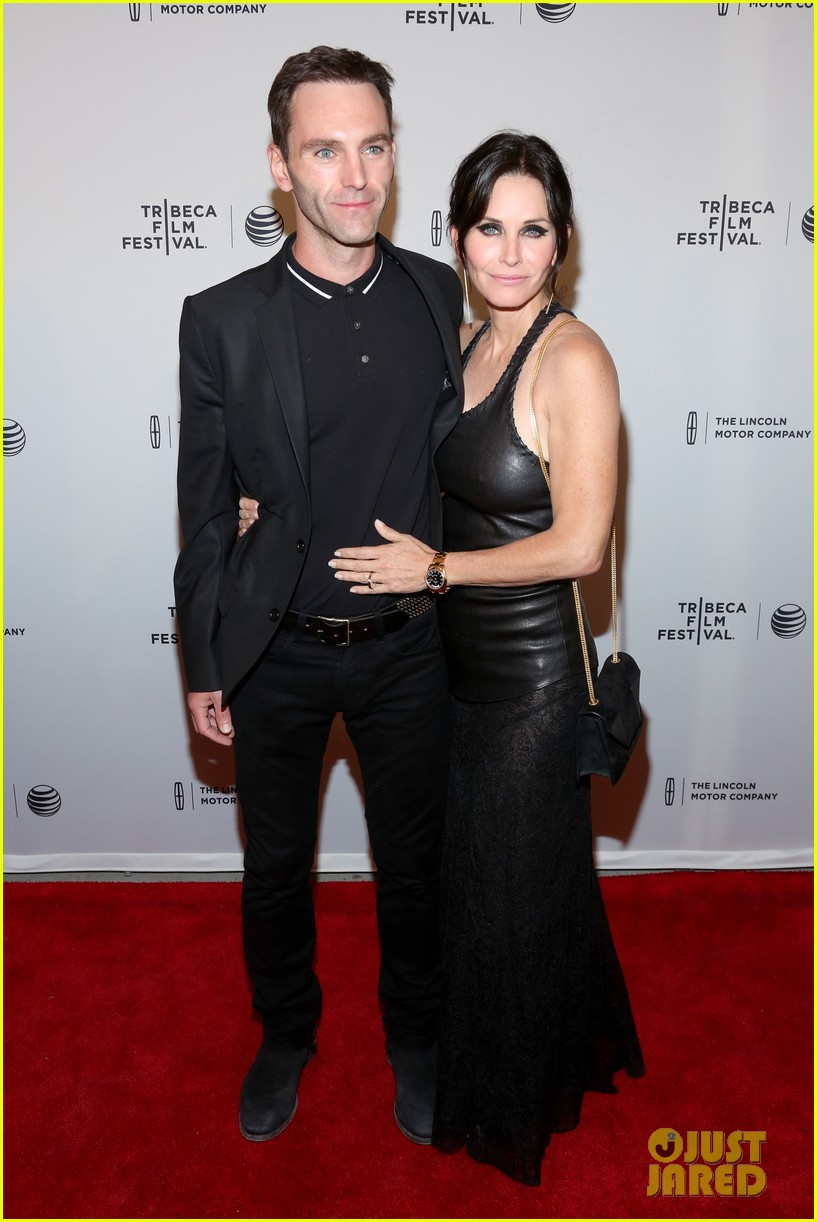 courteney cox celebrates just before i go directorial debut at tribeca 113099060