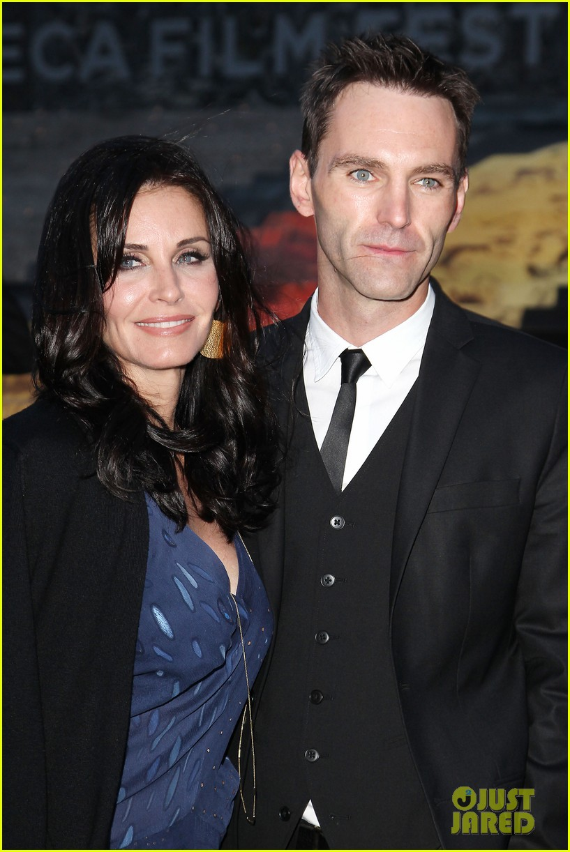 courteney cox kate walsh party with vanity fair at tribeca 223097898