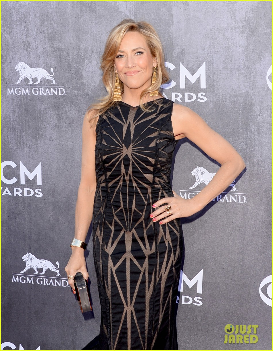 sheryl crow acm awards 2014 red carpet 033085780