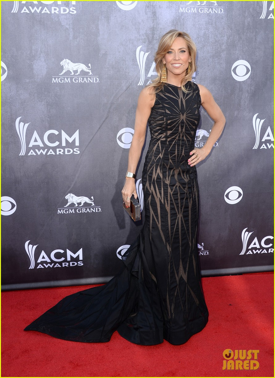 sheryl crow acm awards 2014 red carpet 053085782