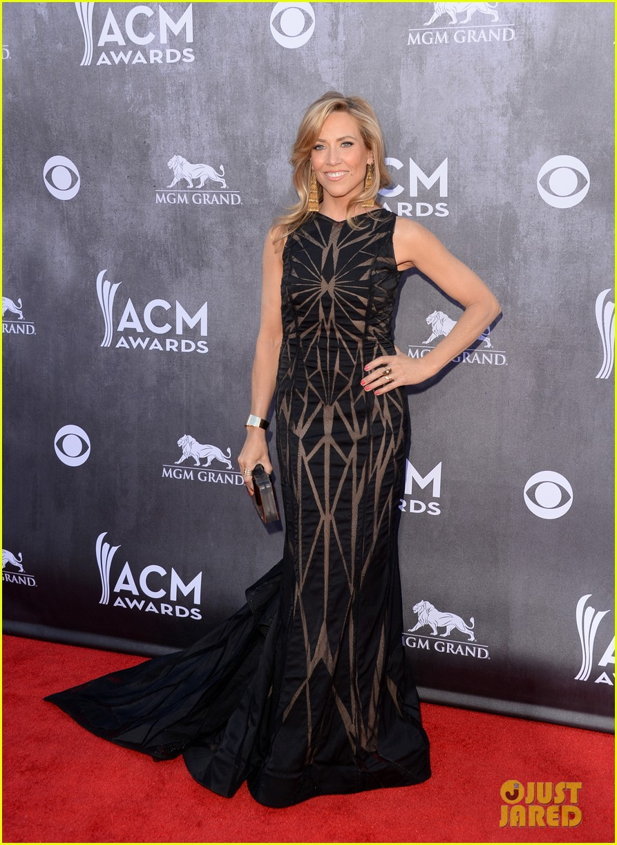 sheryl crow acm awards 2014 red carpet 063085783