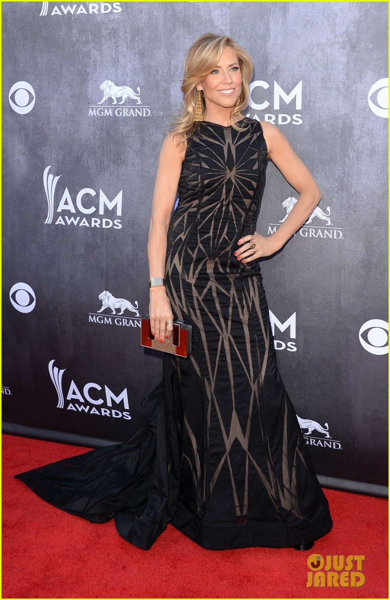 sheryl crow acm awards 2014 red carpet 07