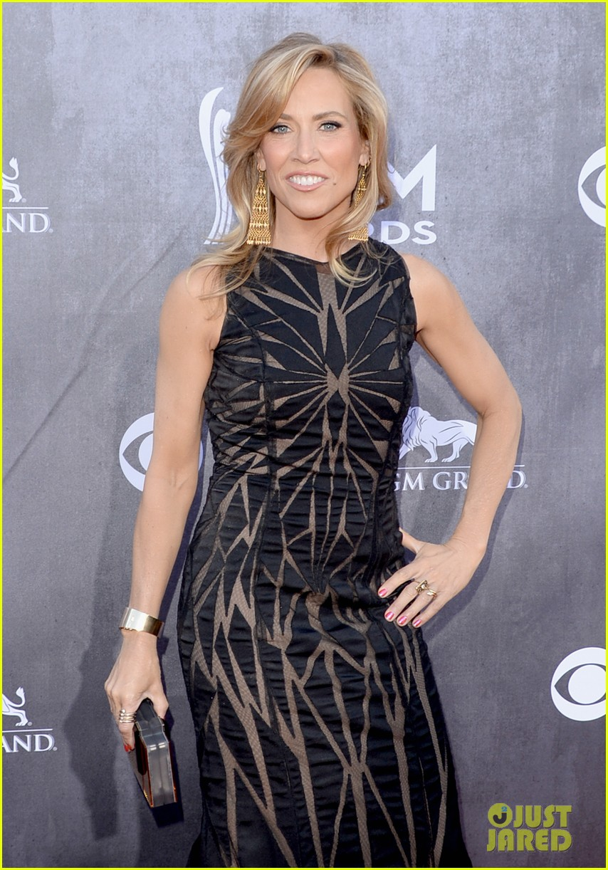 sheryl crow acm awards 2014 red carpet 08