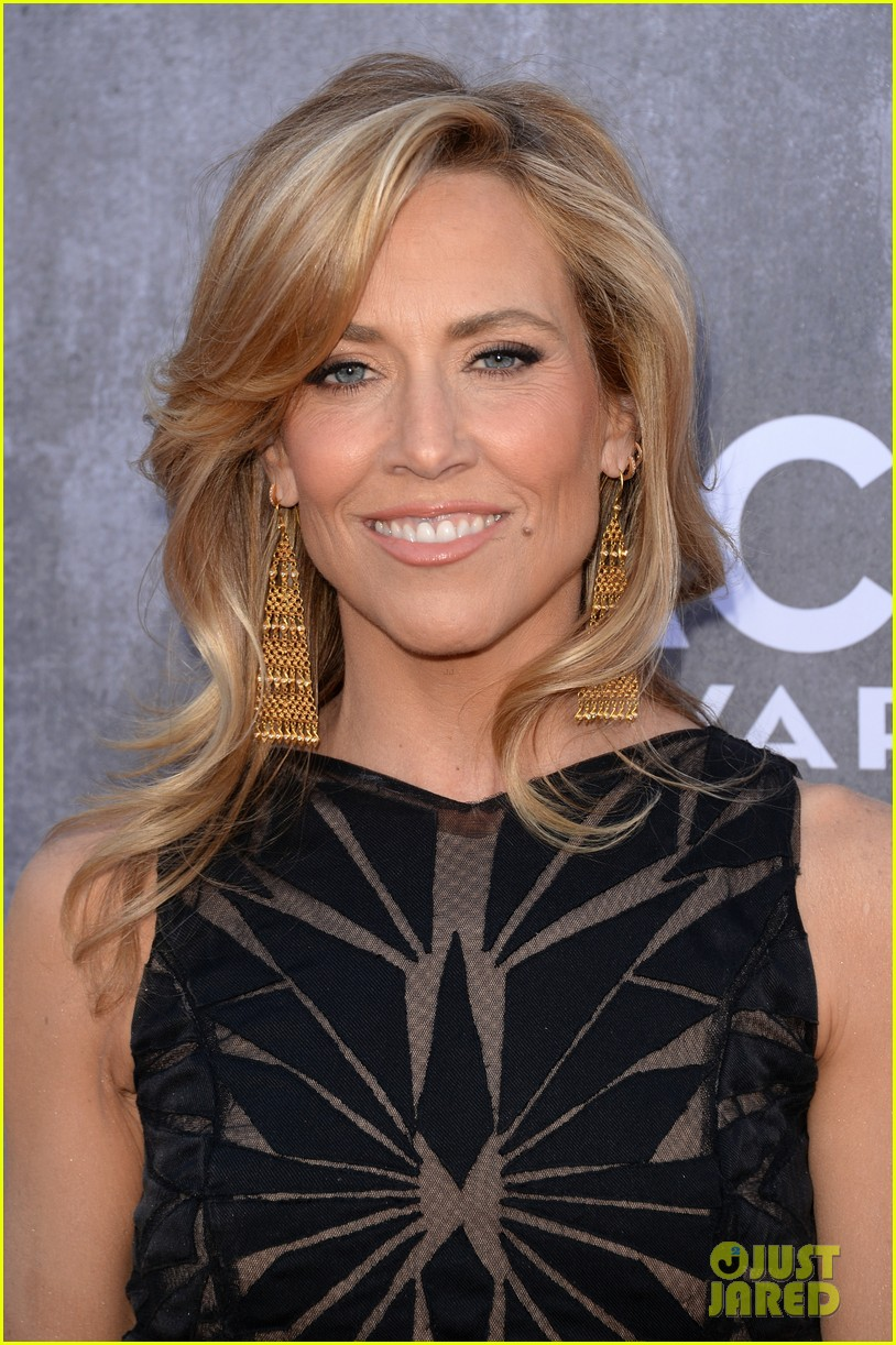 sheryl crow acm awards 2014 red carpet 09