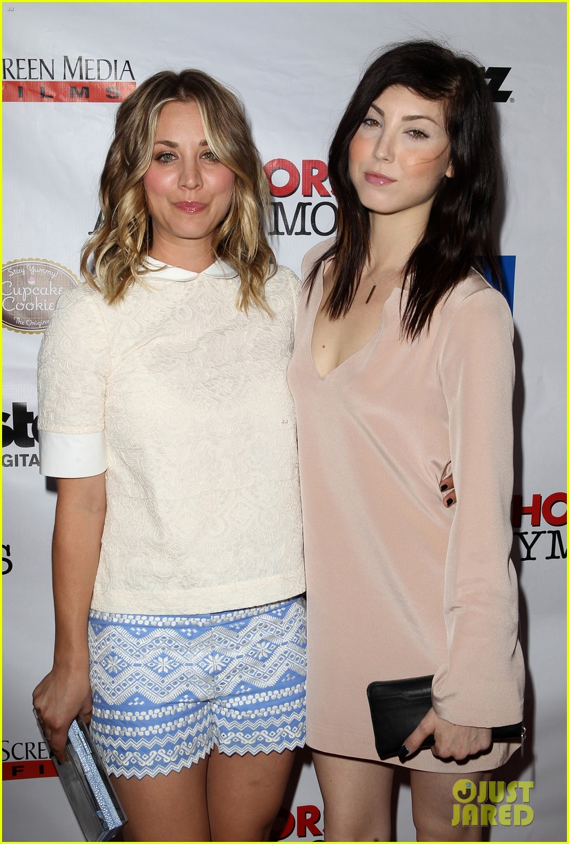 kaley cuoco hits the premiere of authors anonymous with sister briana 013088255