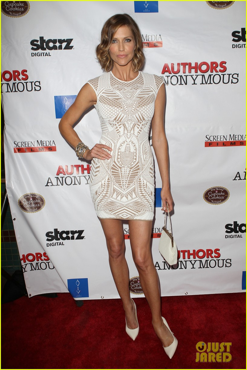 kaley cuoco hits the premiere of authors anonymous with sister briana 163088270