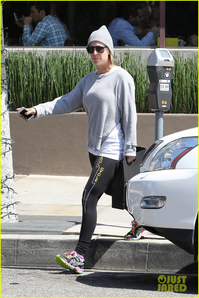 kaley cuoco breast implants best decision 203084113