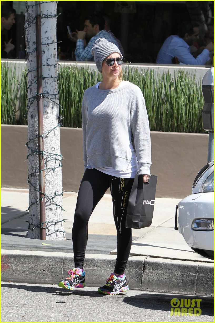 kaley cuoco breast implants best decision 213084114