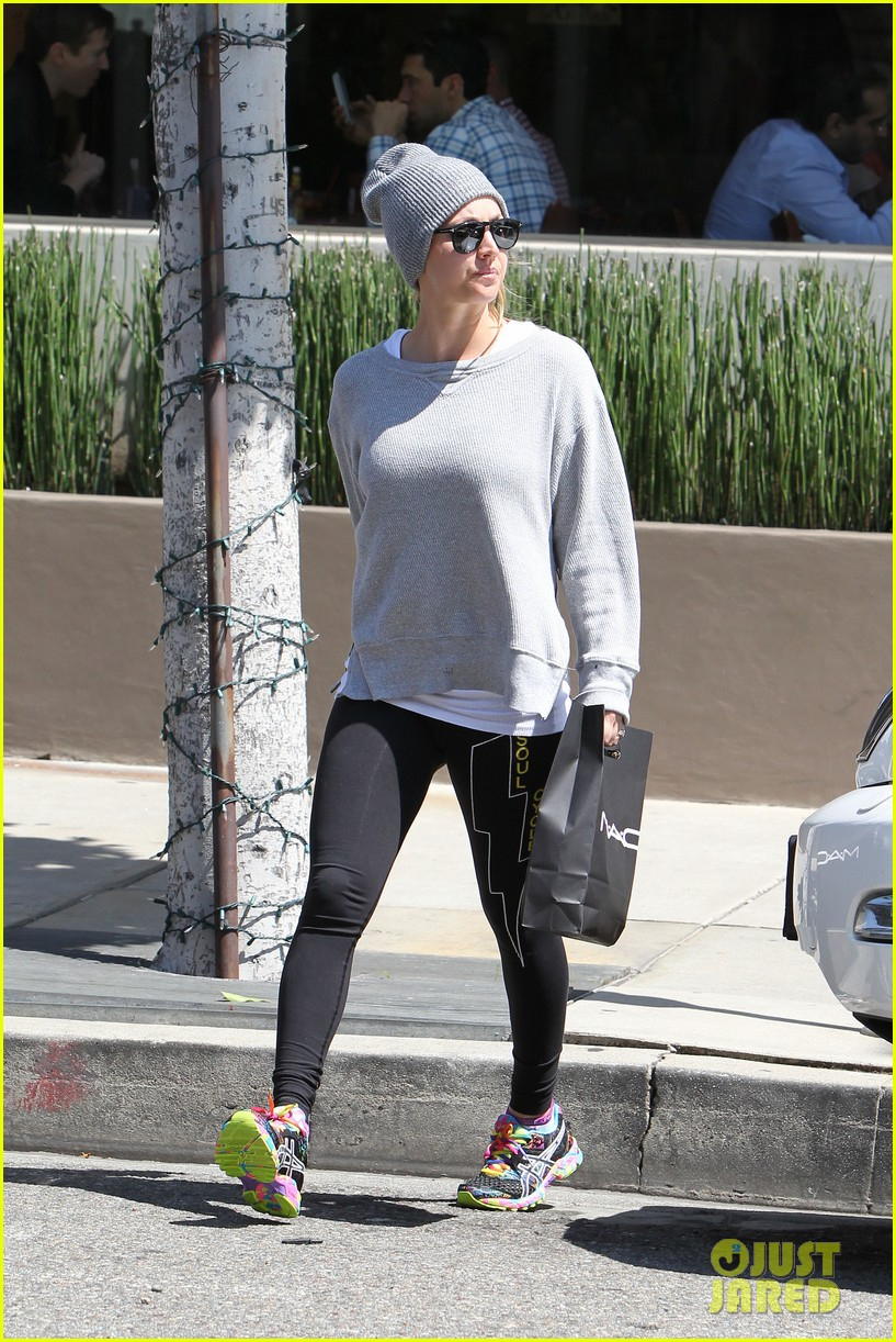 kaley cuoco breast implants best decision 223084115