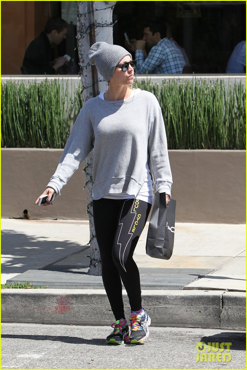 kaley cuoco breast implants best decision 243084117