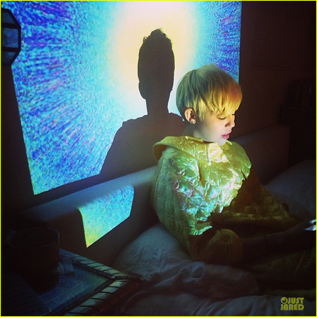 miley cyrus bright lights after hospital release 01