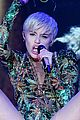 miley cyrus hits the stage despite being miserable 02