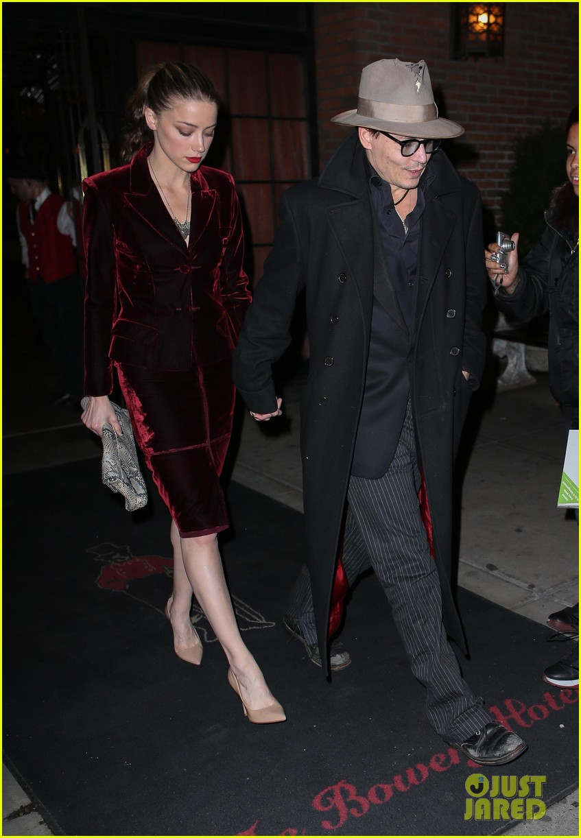 johnny depp takes fiancee amber heard out for brithday dinner 083096620