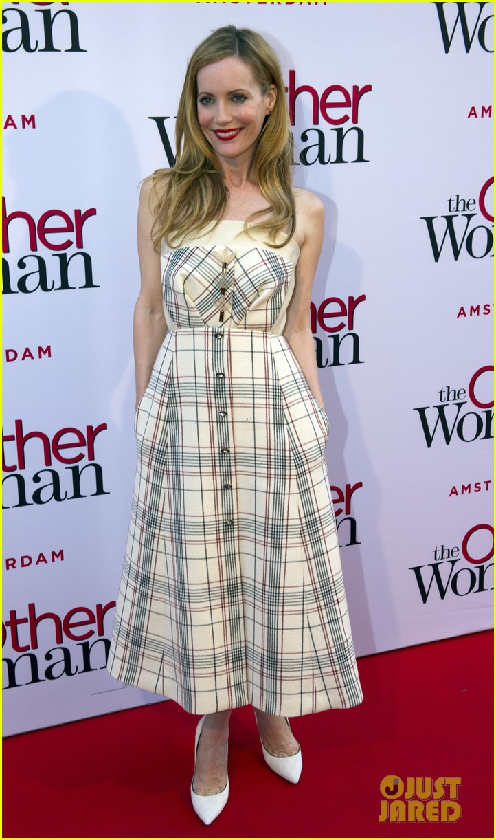 cameron diaz gets glam with kate upton leslie mann for the other woman 033083236