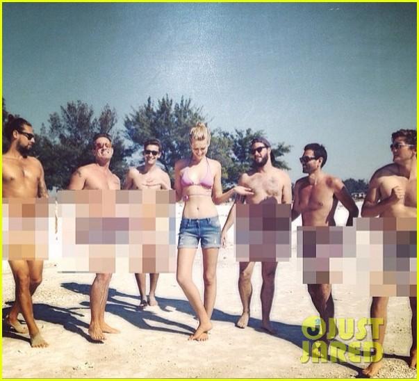 leonardo dicaprios girlfriend toni garrn surrounded by naked men 043101560