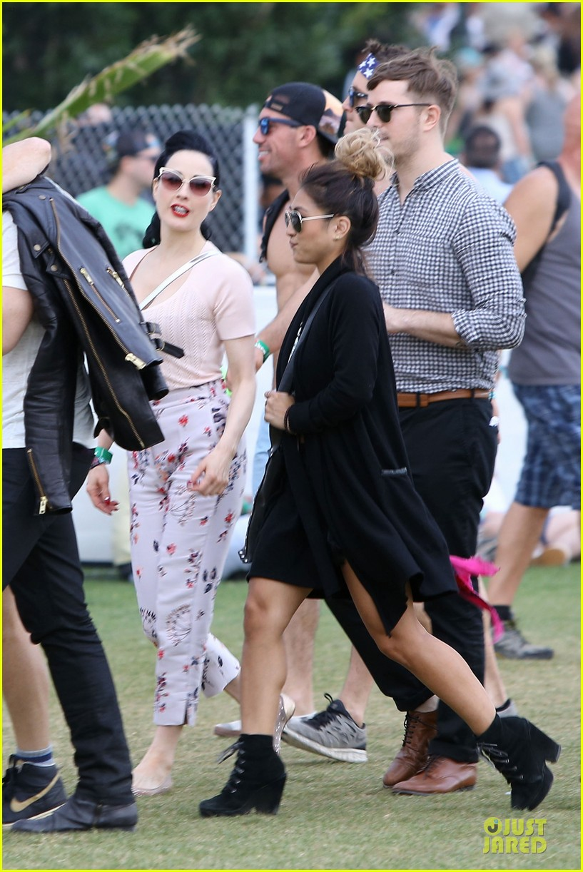 dita von teese wears floral pants at coachella 053095052