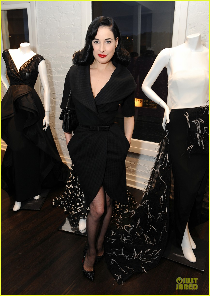 dita von teese glamour at christian siriano preview 073099584