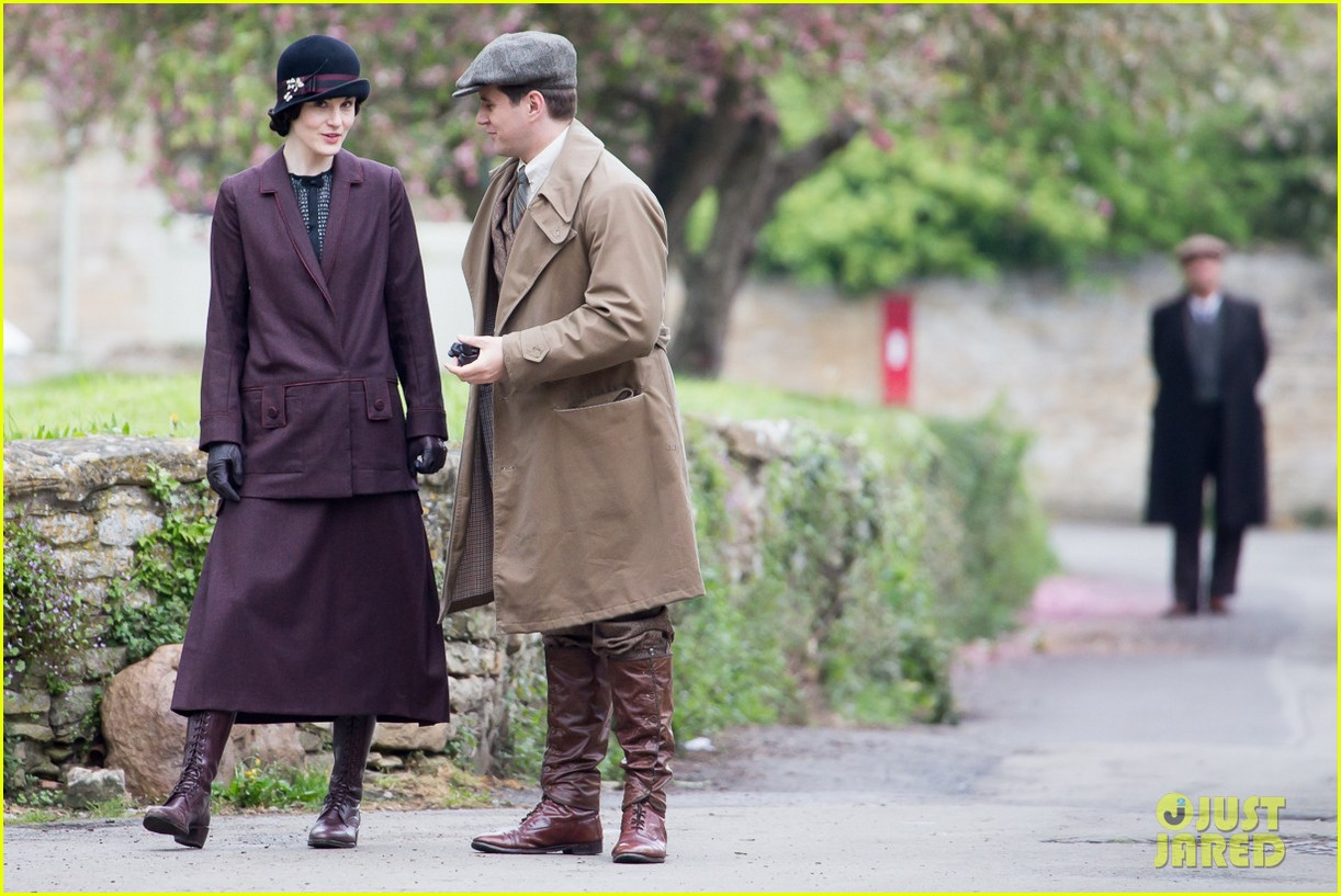 these downton abbey season five set pics are getting us really excited 083098152