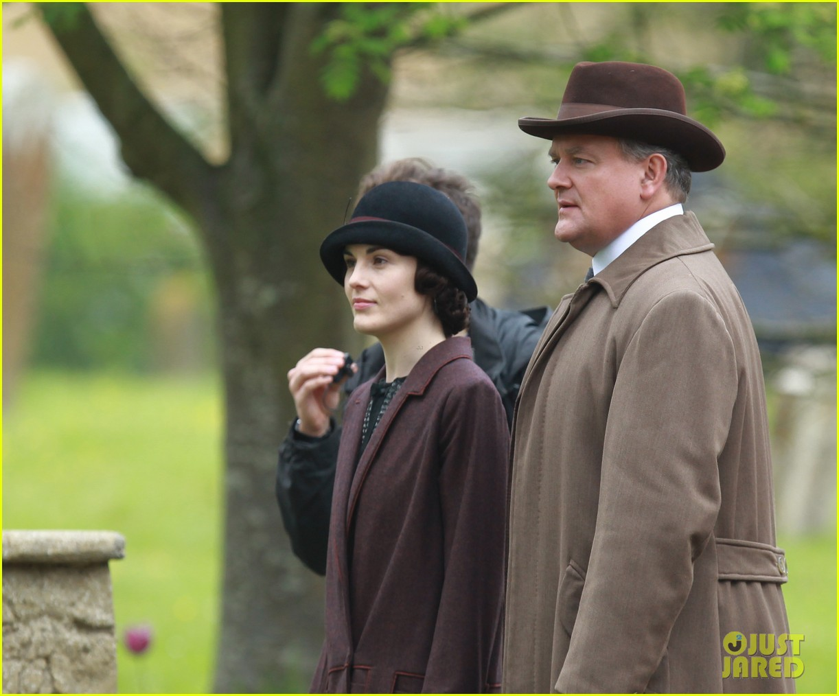 these downton abbey season five set pics are getting us really excited 093098153