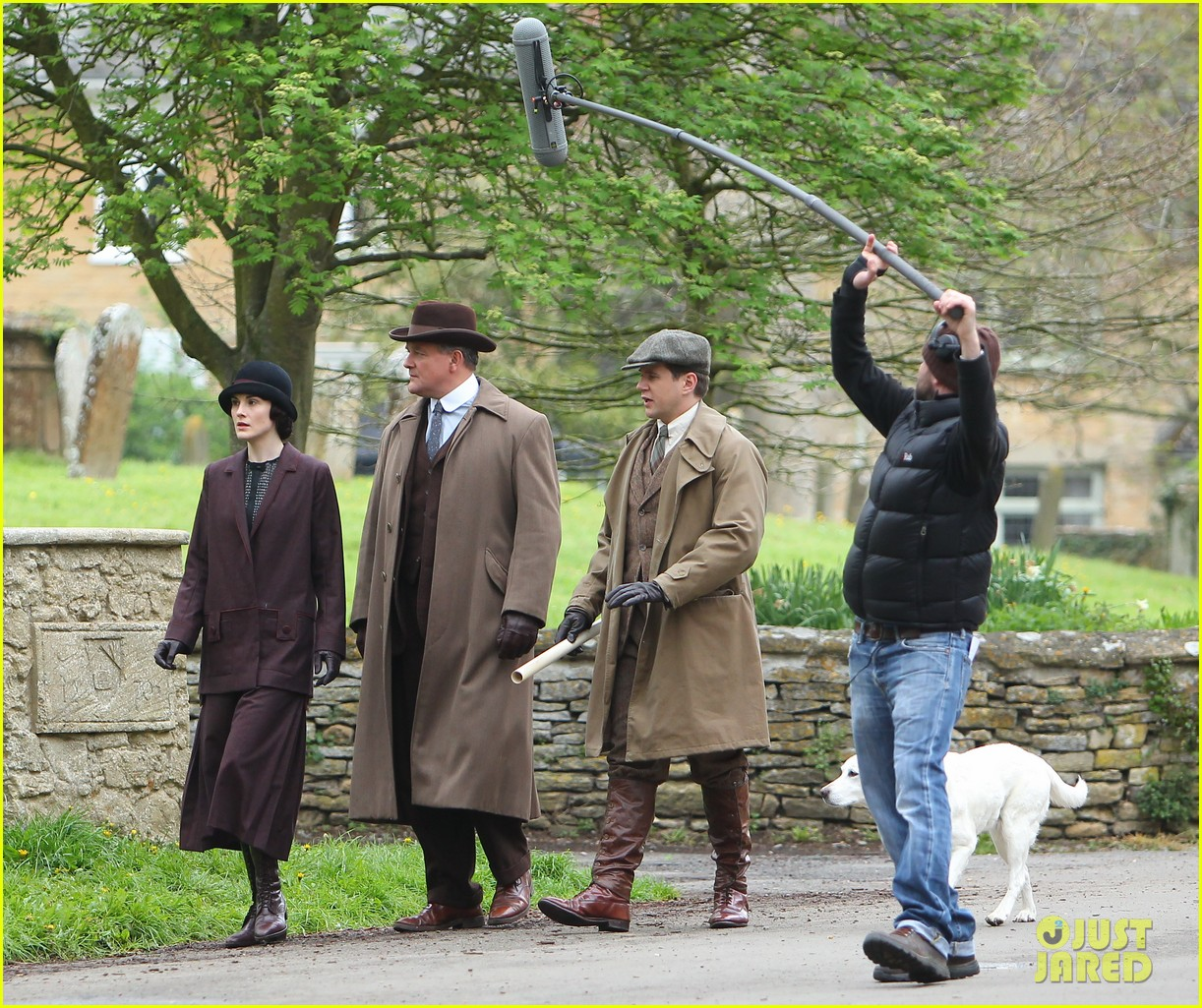 these downton abbey season five set pics are getting us really excited 19