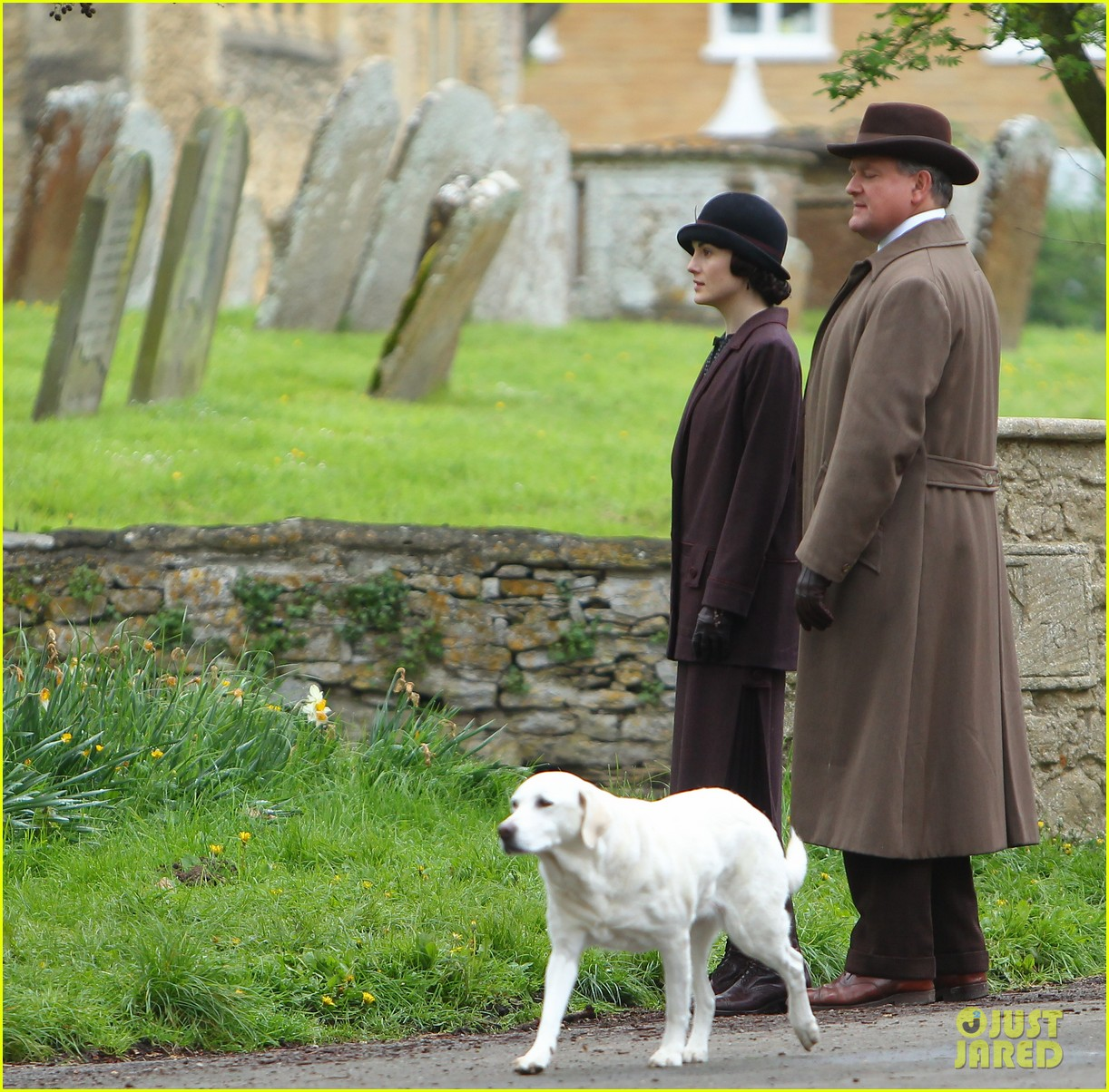 these downton abbey season five set pics are getting us really excited 203098164