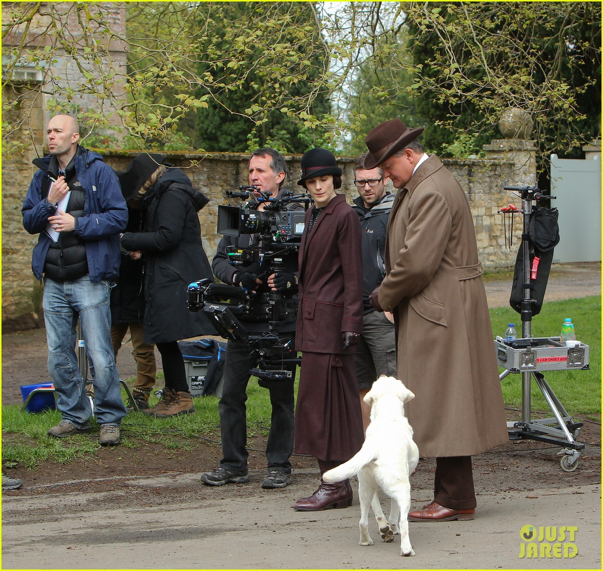 these downton abbey season five set pics are getting us really excited 253098169