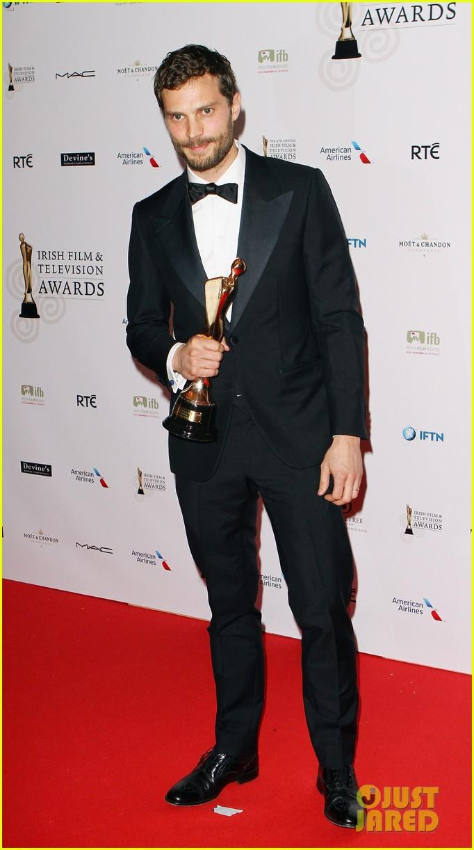 jamie dornan wins two awards at ifta awards 013085359