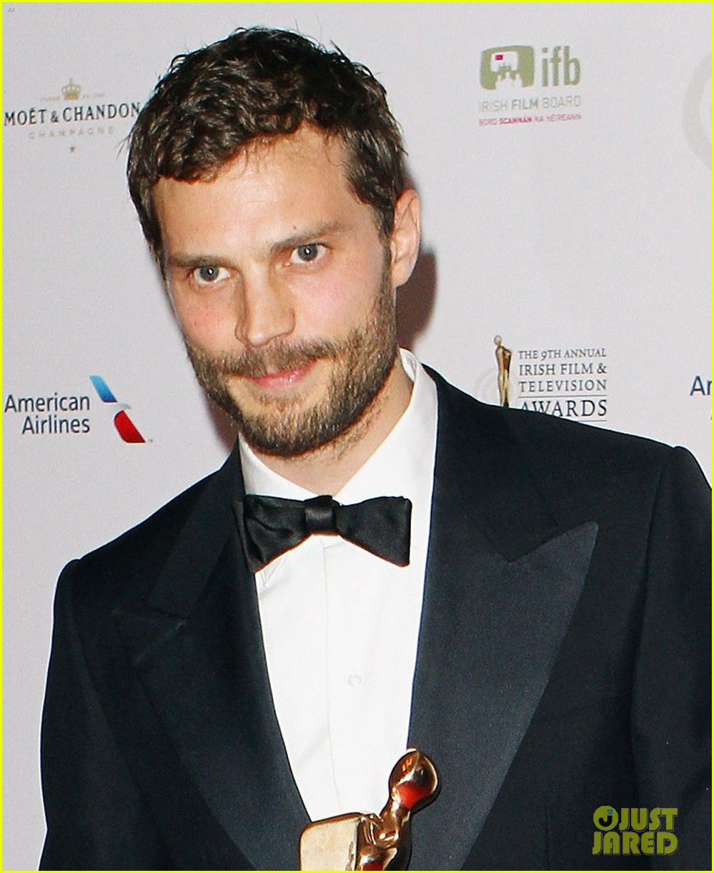 jamie dornan wins two awards at ifta awards 04