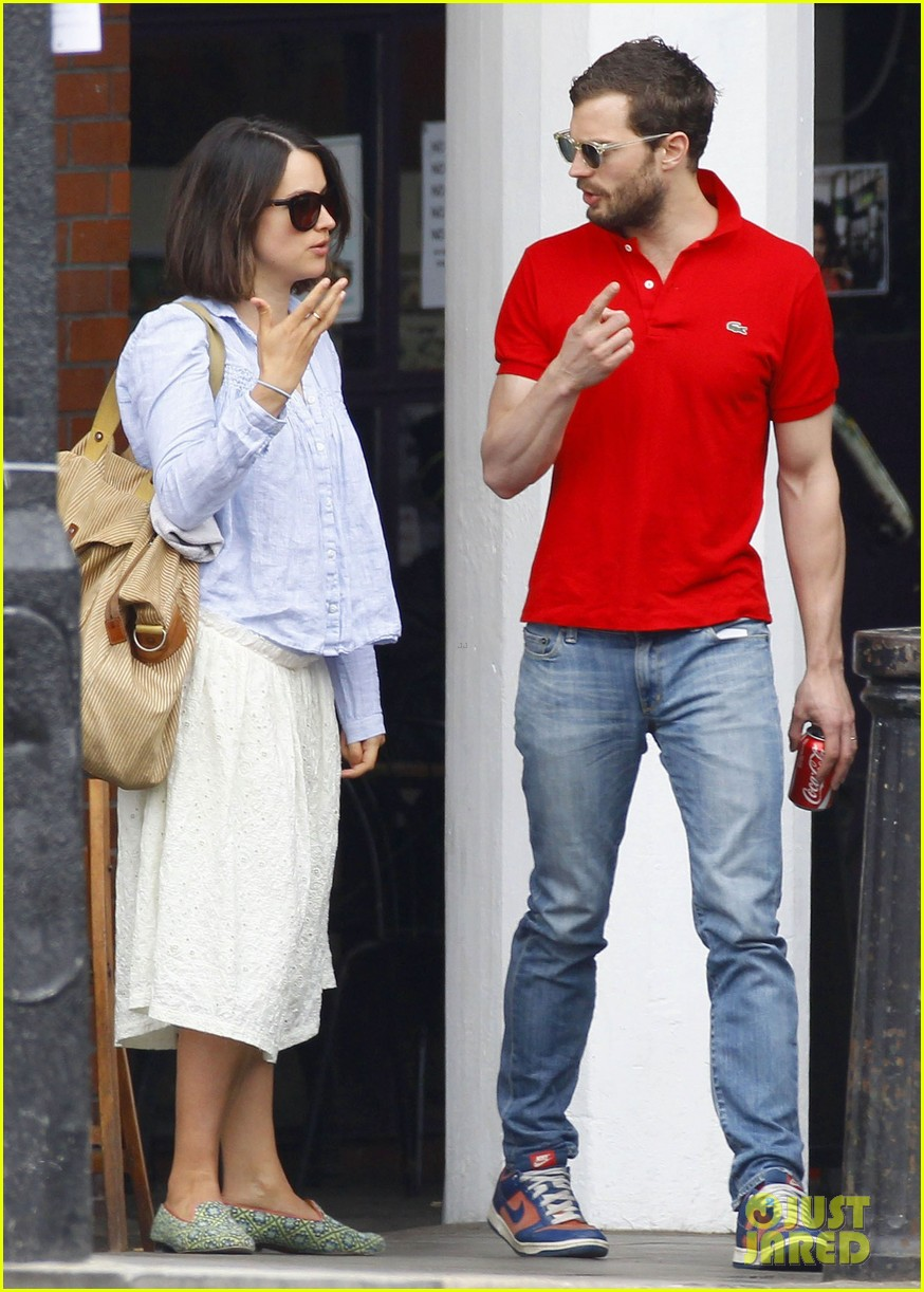 jamie dornan treats his wife to lunch in london 093093856