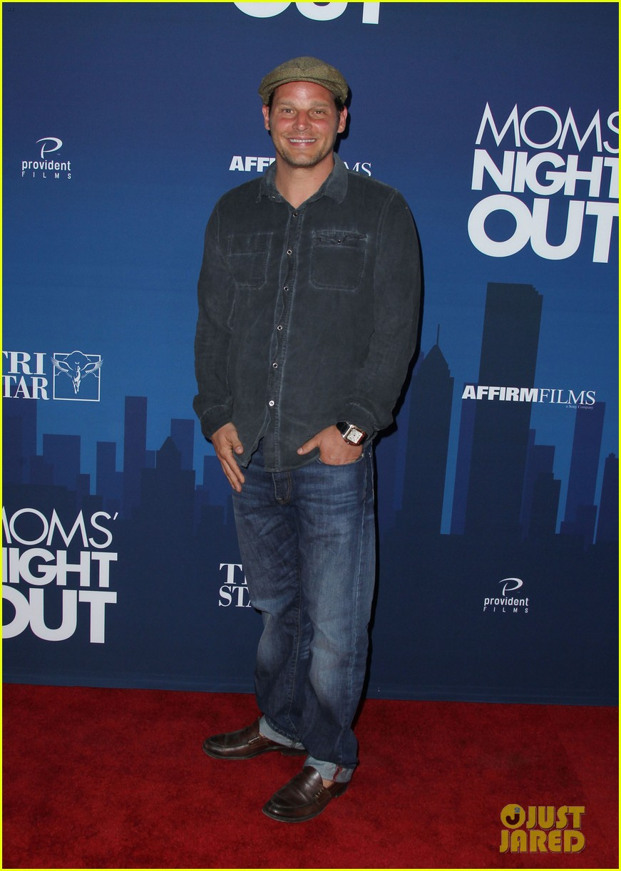 greys anatomy cast supports sarah drew at moms night out premiere 023102264