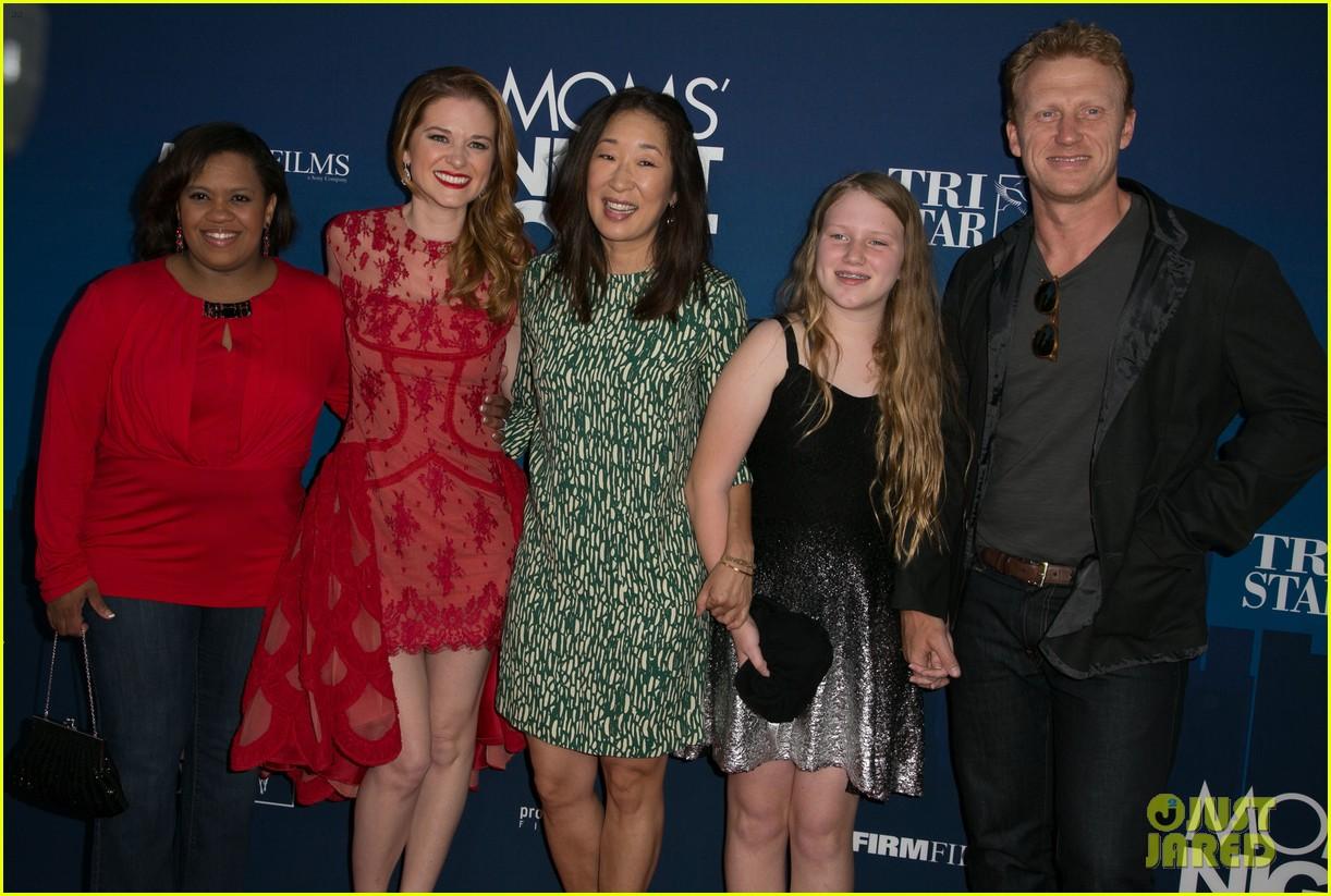 Greys Anatomy Cast Supports Sarah Drew At Moms Night Out