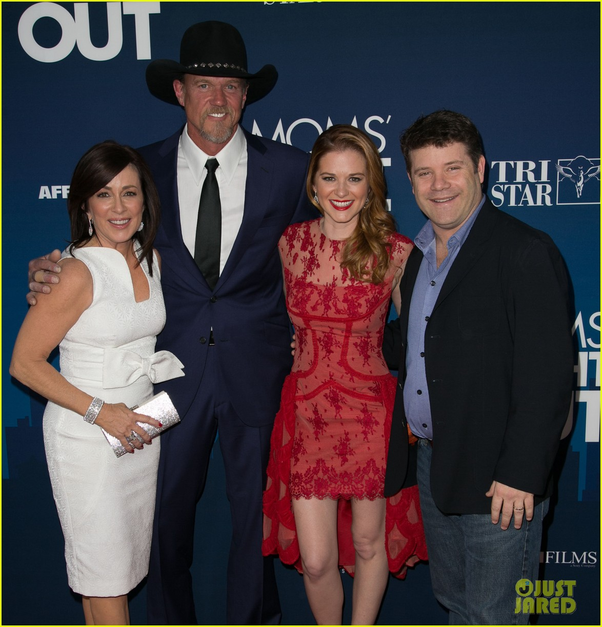 greys anatomy cast supports sarah drew at moms night out premiere 083102270