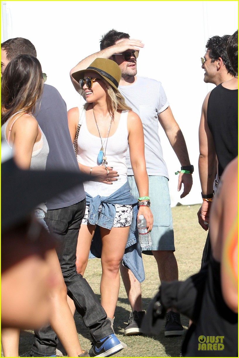 hilary duff mike comrie friendly affair at coachella 093089515