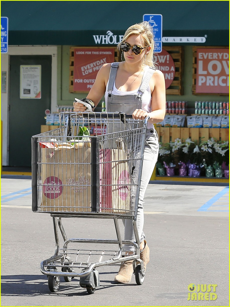 hilary duff so excited to be back on tv 163093177