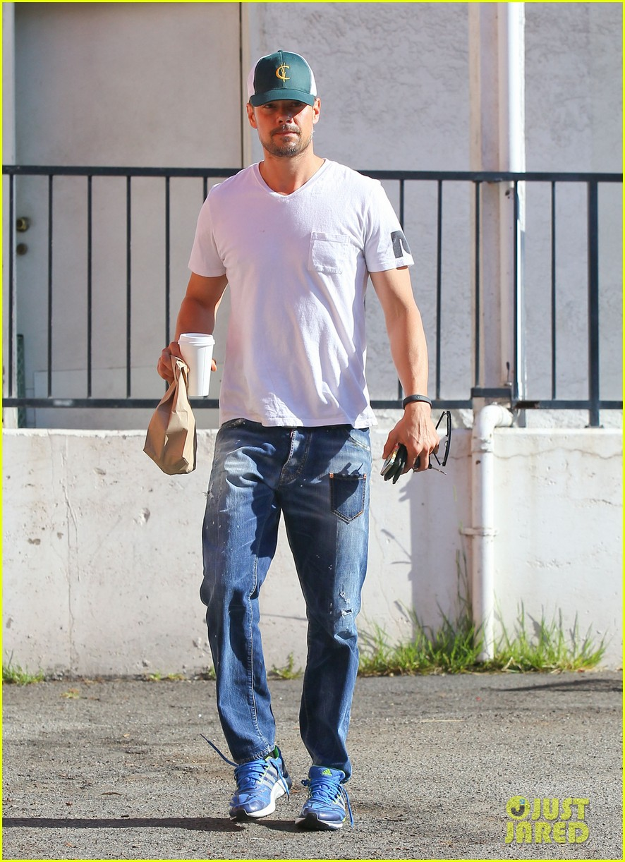 josh duhamel gets mistaken for timothy olyphant johnny knoxville 073100471