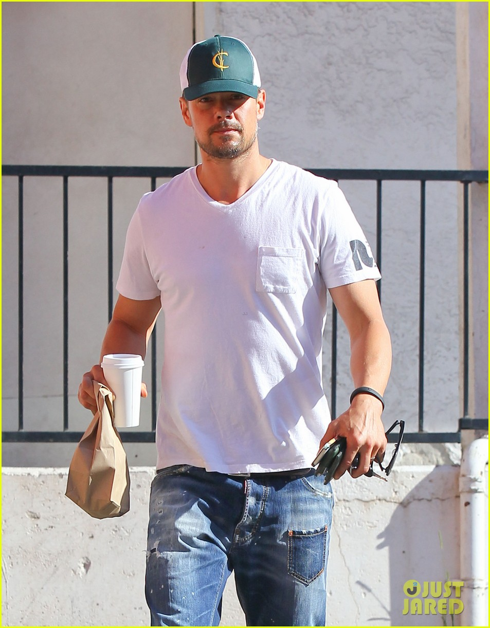 josh duhamel gets mistaken for timothy olyphant johnny knoxville 093100473