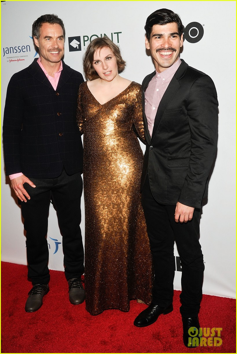 lena dunham andrew rannells share kiss at point honors new york gala 04