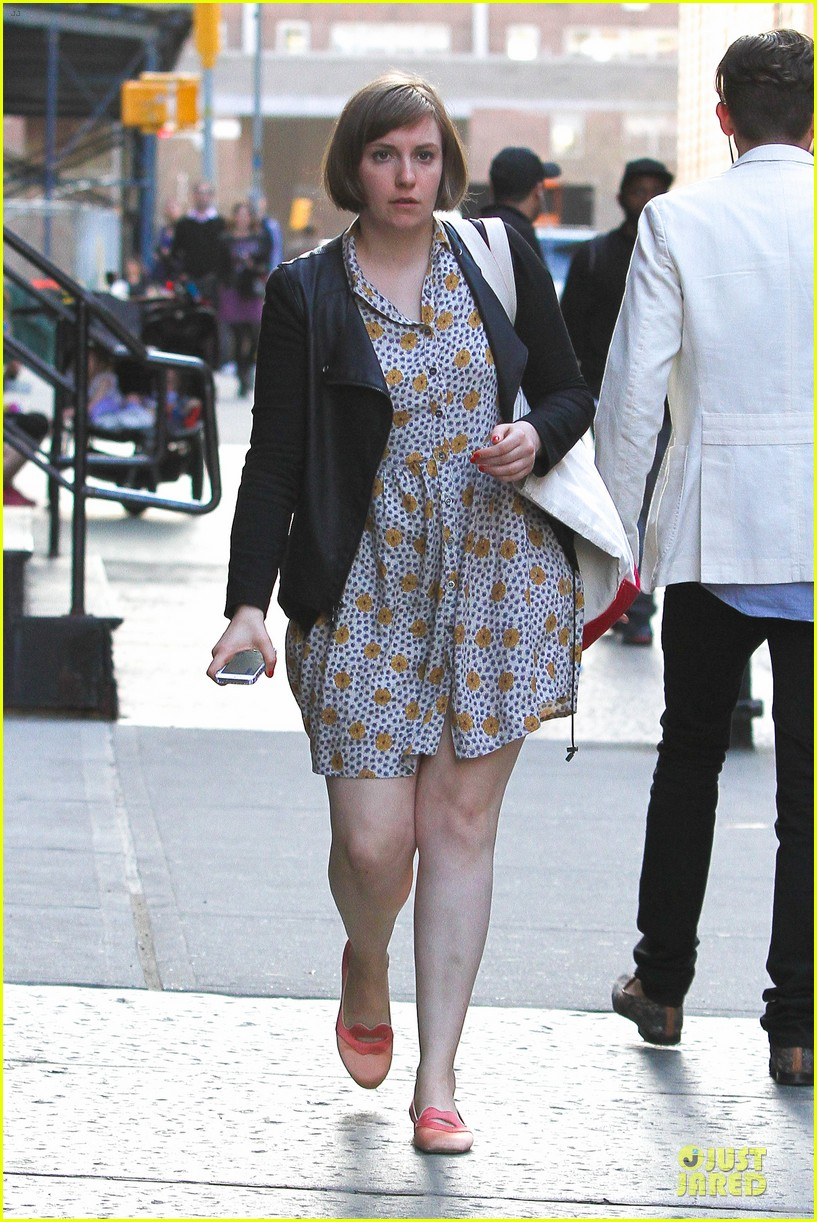 lena dunham meets up with taylor swift 103092451