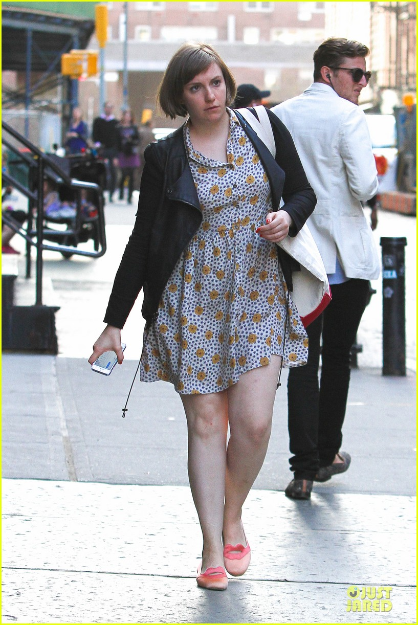 lena dunham meets up with taylor swift 163092457