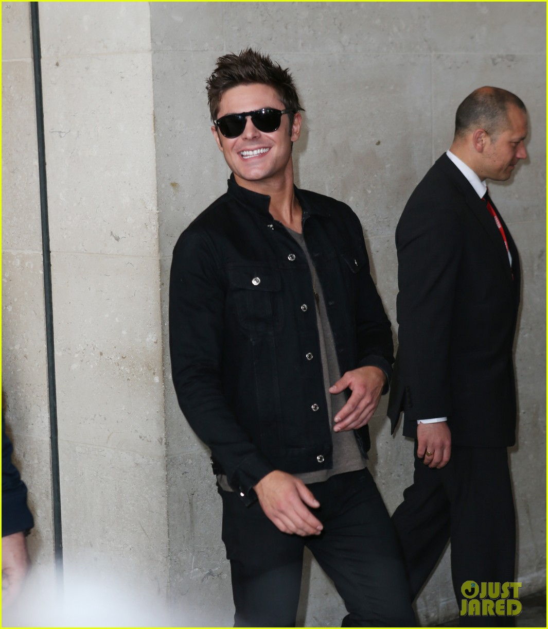 zac efron i wish seth rogen could produce every film im in 023098061