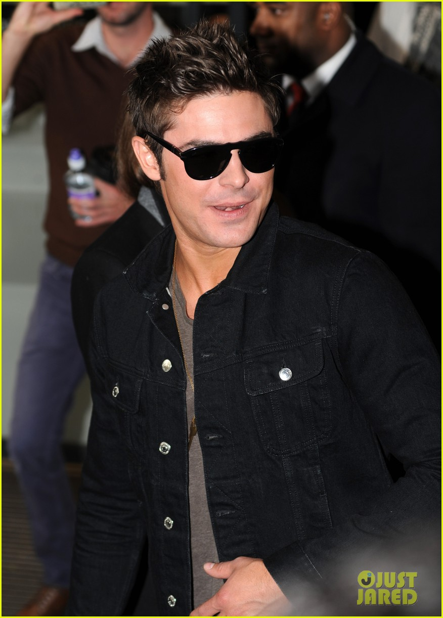zac efron i wish seth rogen could produce every film im in 073098066
