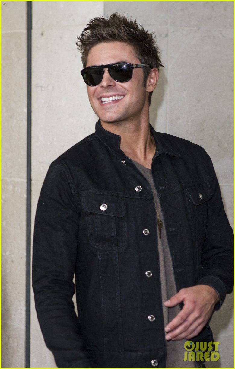 zac efron i wish seth rogen could produce every film im in 083098067