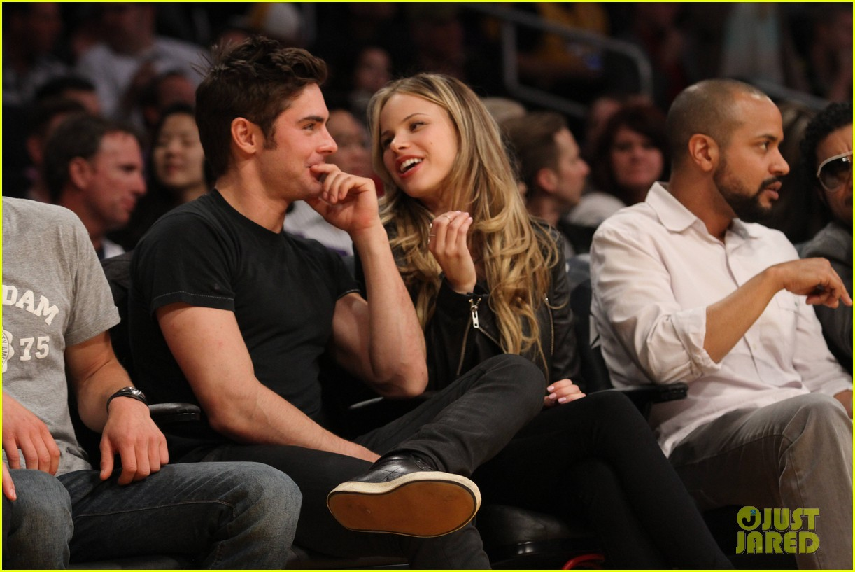 zac efron halston sage lakers game 133084979
