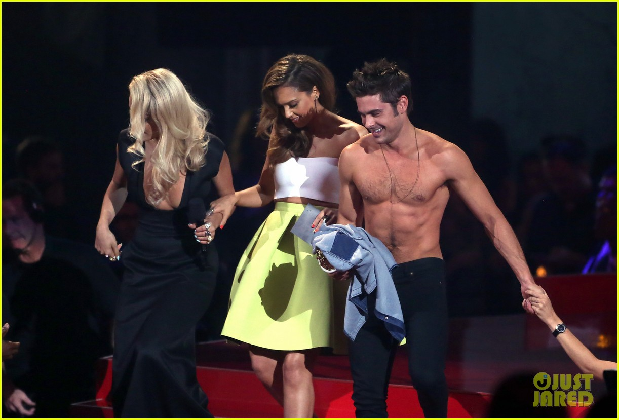 more zac efron shirtless photos mtv movie awards 2014 343091698