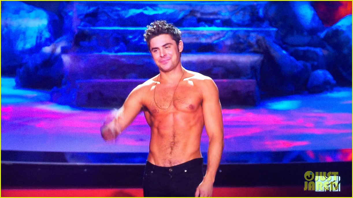 zac efron shirtless mtv movie awards 2014 223091301