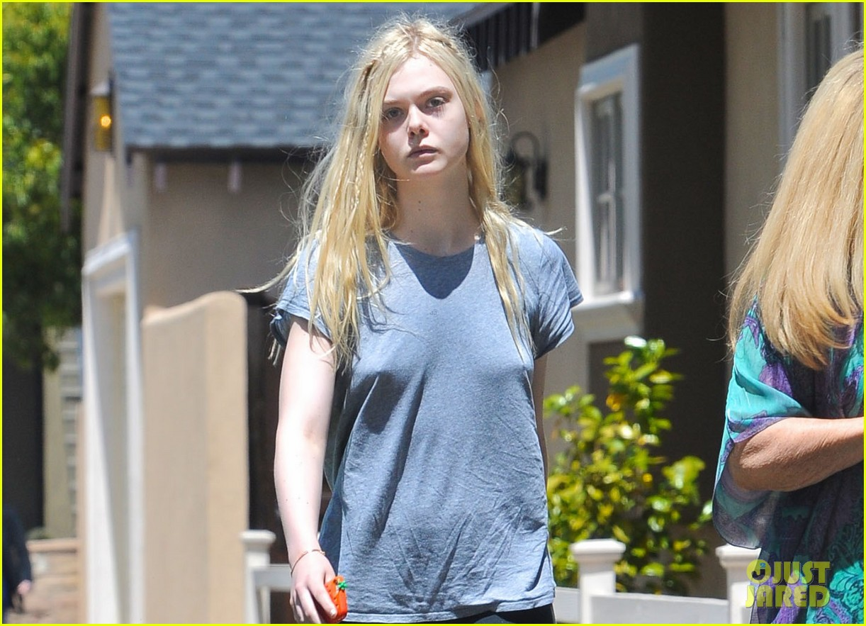 Elle Fanning Hopes To Be Like Angelina Jolie One Day She S
