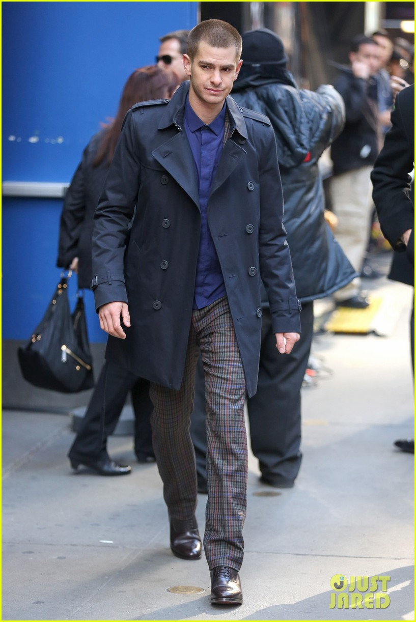 emma stone andrew garfield join amazing spider man 2 cast at gma 013098189