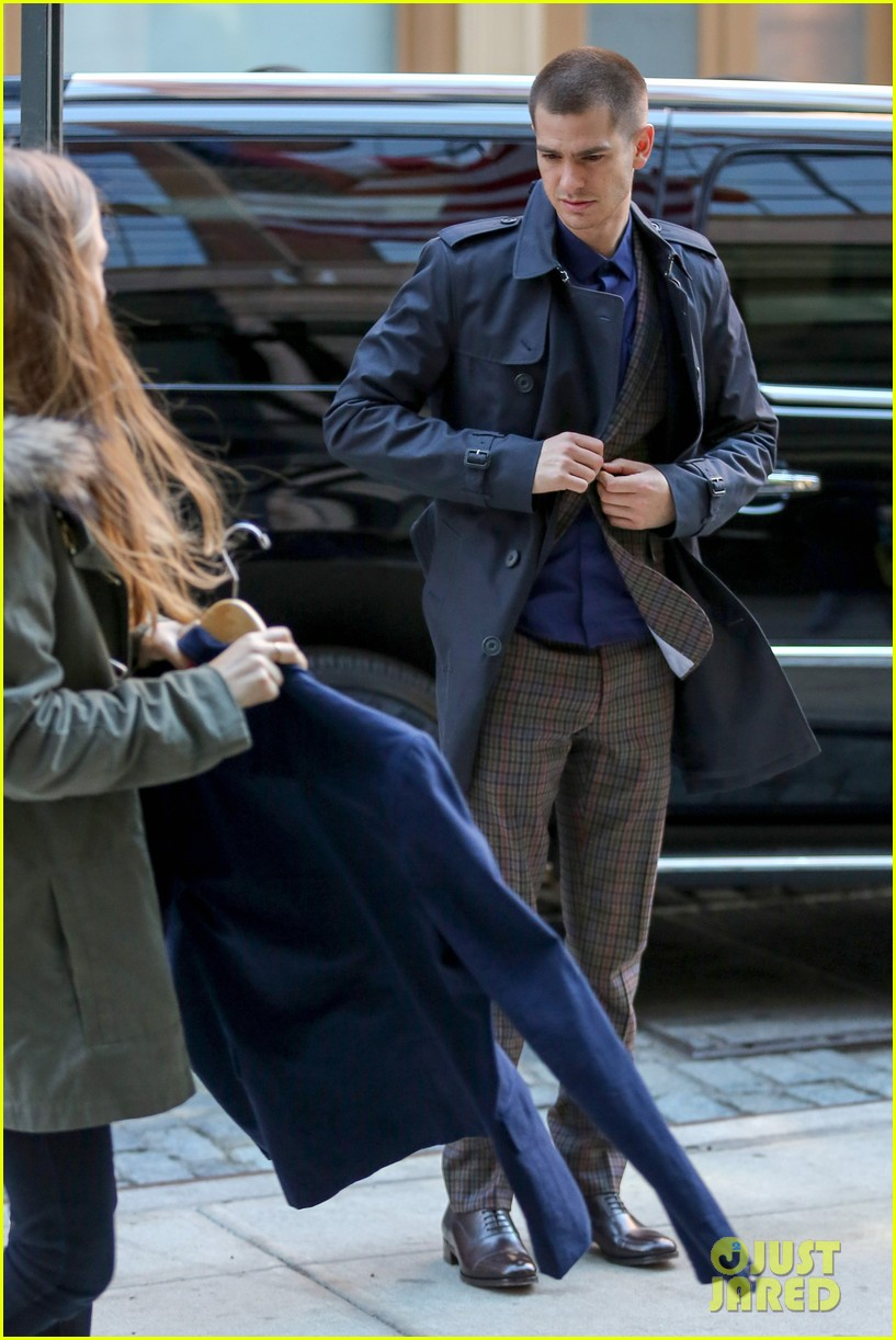 emma stone andrew garfield join amazing spider man 2 cast at gma 153098203